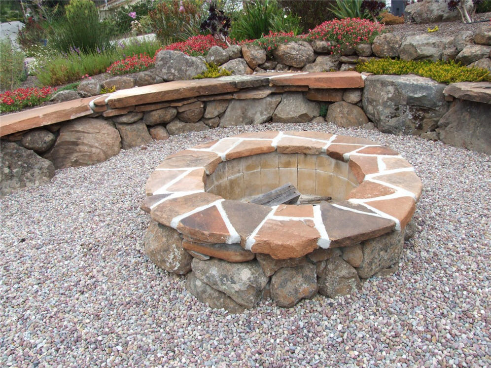 Top Firepit in the Gravel Circle LT08